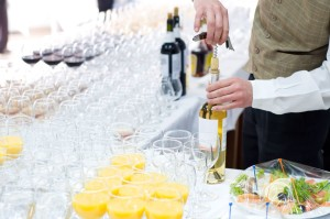setting up the bar banquet
